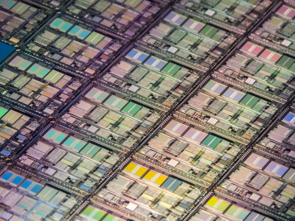 Packaging High-performance Memory Devices